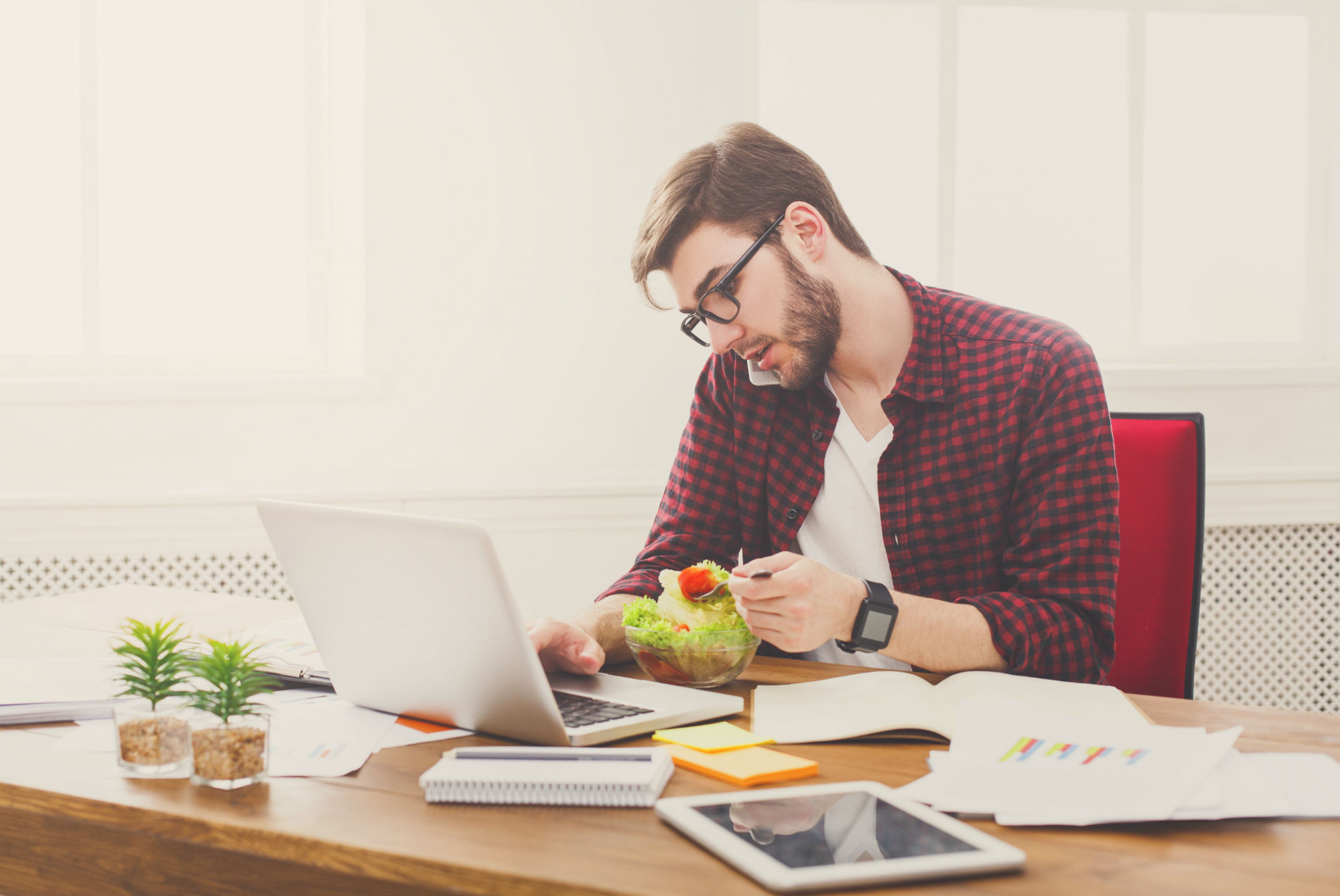 How to incorporate healthy living into your day to day life